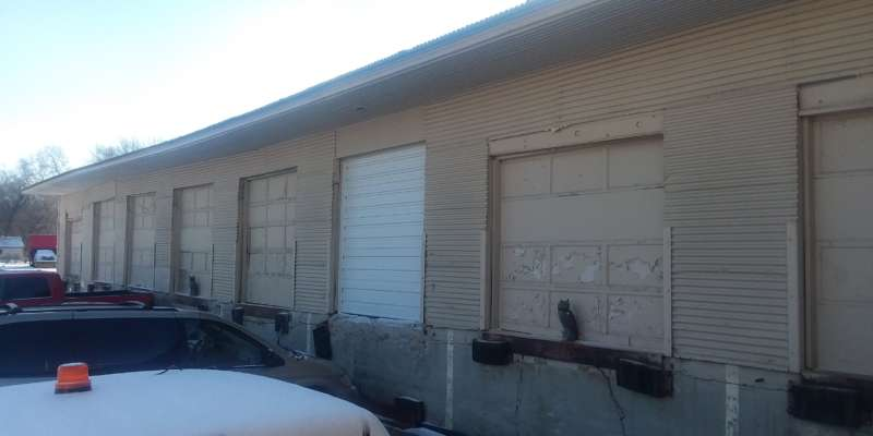 garage doors, bay doors
